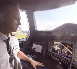 Emirates present 360-video of A380 flight deck