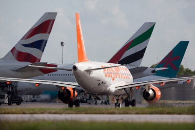 Gatwick Airport aims to become UK leading low carbon airport by 2025