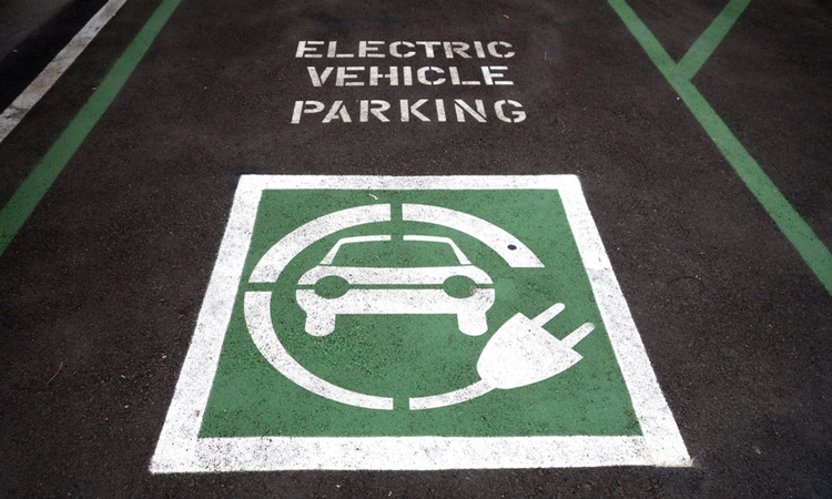 Bristol Airport installs electric vehicle charging zones