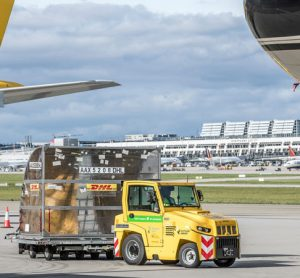 Stuttgart Airport steps closer to carbon neutrality with new cargo handling vehicles