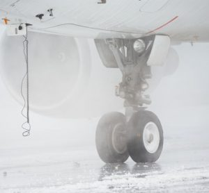 winter-safety-runway-us